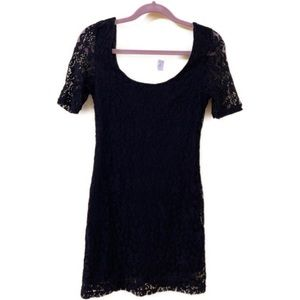 2/$20 🛍️ Volcom Black Lace Dress- Medium